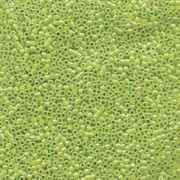 Miyuki Delica Perlen 1,6mm DB1246 transparent rainbow Lime ca 5gr