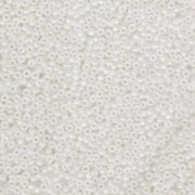 Miyuki Rocailles Perlen 2mm 0131FR transparent rainbow matt Clear 12gr