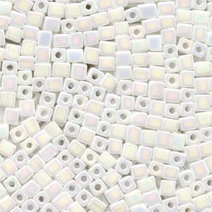 Miyuki Würfel Perlen, Cube, Square Beads 1,8mm 0402R opaque rainbow White 12gr