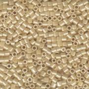 Miyuki Delica Perlen 3mm DBL1560 opaque ceylon Honey Beige 6,8 Gr.