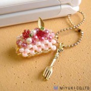 Miyuki Cake Charm Kit Strawberry Cake Roll
