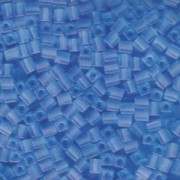 Miyuki Würfel Perlen, Cube, Square Beads 4mm 0148F transparent matt Light Blue 25gr