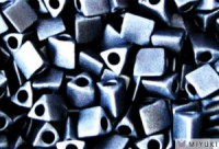 Miyuki Perlen Sharp Triangle Beads 2,5mm 2001 metallic matt Blue Grey 13 Gr.