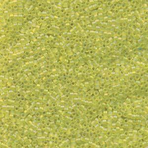 Miyuki Delica Perlen 1,6mm DB1281 transparent matt rainbow Lime ca 5gr