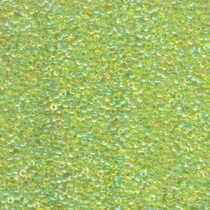 Miyuki Rocailles Perlen 2mm 0258 transparent rainbow Lime Green 12gr