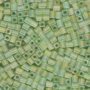 Miyuki Würfel Perlen, Cube, Square Beads 1,8mm 0143FR transparent rainbow matt Lime Green 12gr