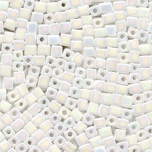 Miyuki Würfel Perlen, Cube, Square Beads 1,8mm 0402R opaque rainbow White 12gr